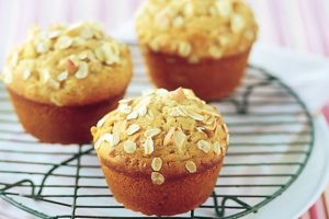apple and oats muffins